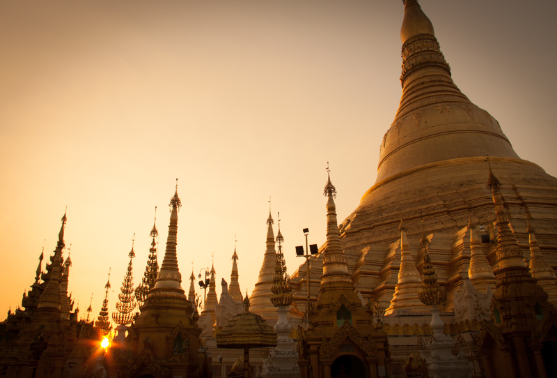 Photasia Shwedagon Paya